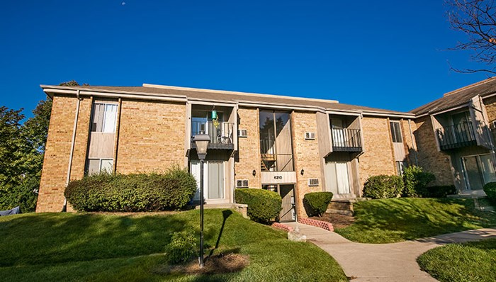 Close to Whitnall Park and Root River Parkway, easy access to I-94, I-43, and I-894