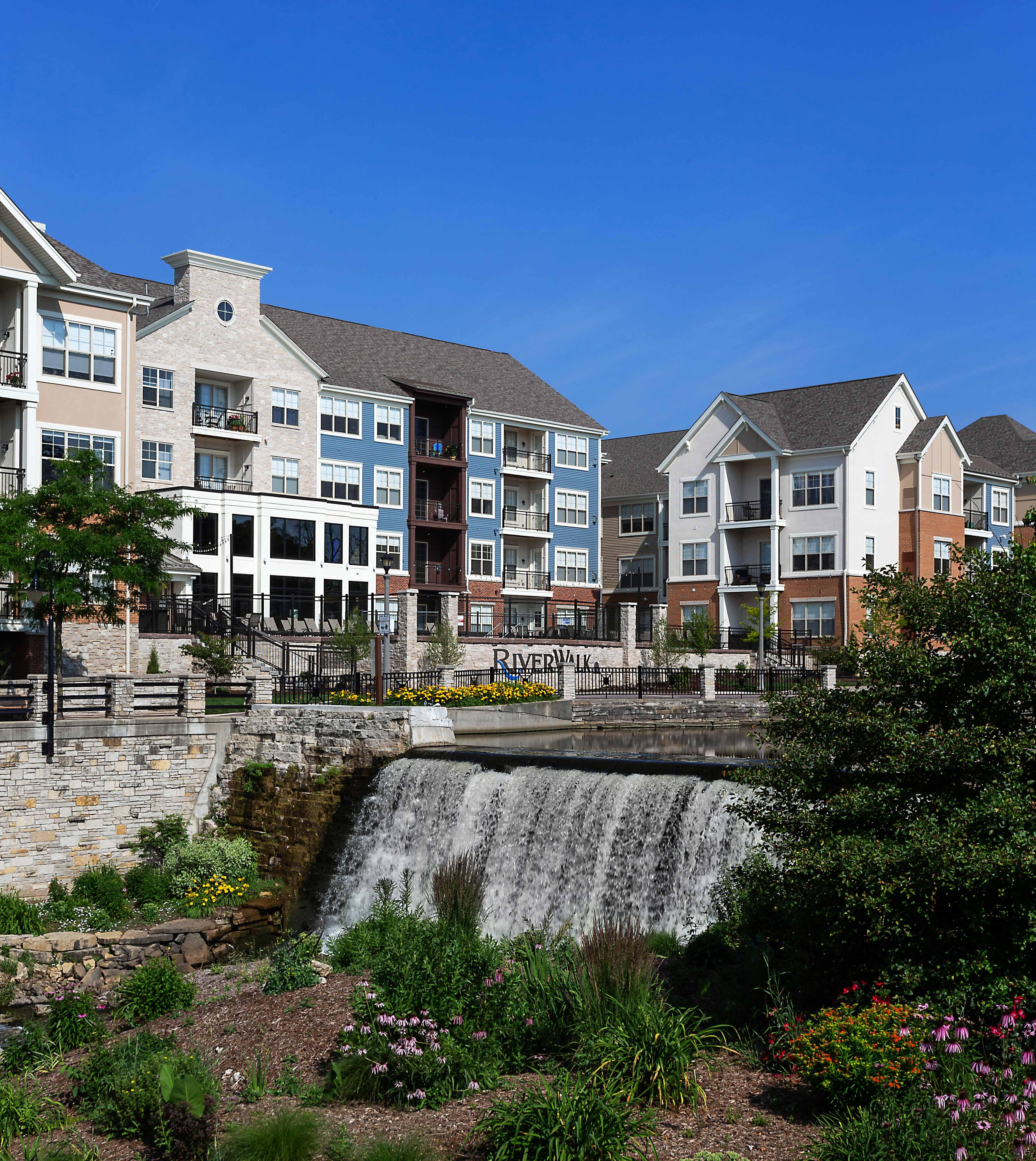 The Falls Apartments: Menomonee Falls Apartments